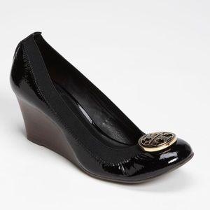 Tory Burch Caroline logo leather black wedges 9.5